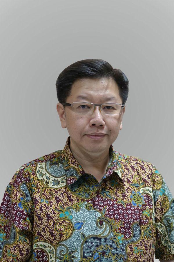 drs. Phinehas Ekadiwira, Psikolog